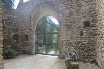 1.1464091172.castello-di-petroia---inside-the-gates