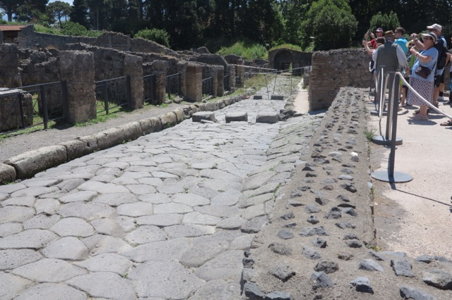 1.1464998400.pompeii---three-stone-cross-walk