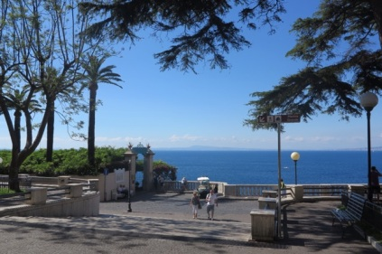 1.1464998400.sorrento---walk-to-the-hotel
