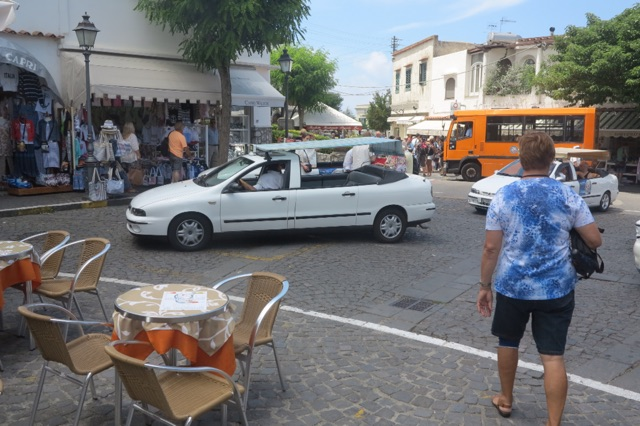 1.1465846085.anacapri---topless-taxi-to-the-top
