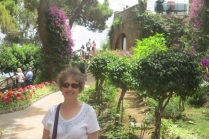 1.1465862400.capri---sue-in-the-garden