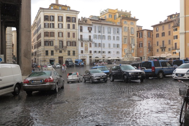 1.1466449502.rome---rain-in-the-piazza