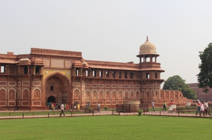2.1413240686.3-agra-fort