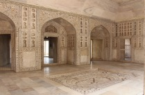 2.1413240686.8-agra-fort