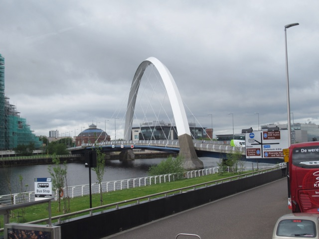 6.1495584000.bridge-over-the-clyde-river